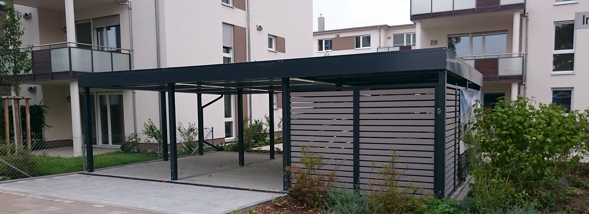 design garage moderne garage oder designer carport kaufen infos. Black Bedroom Furniture Sets. Home Design Ideas